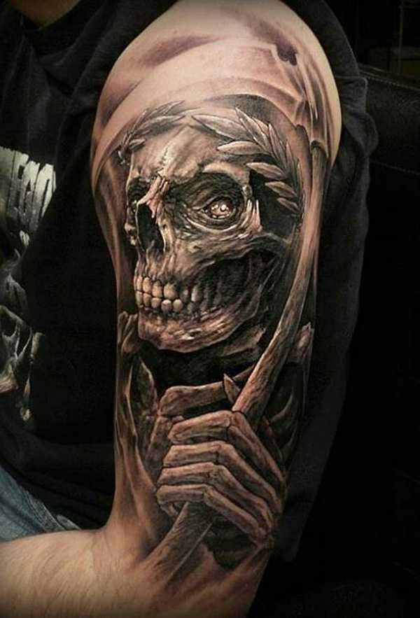 Тату на плече в стиле хоррор смерть в черном цвете для мужчины