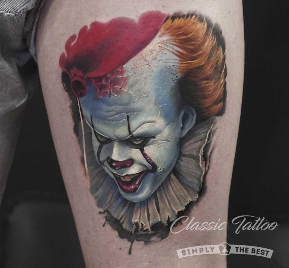 Тату клоун на ноге